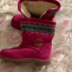 Toddler girls first shoes.